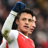 Arsenal 2-0 Hull City: Alexis at the double in controversial win