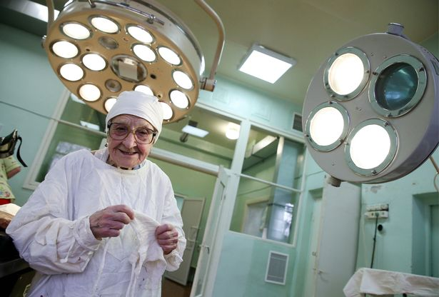 See Photos Of The World's Oldest Surgeon Who Is Still Active At The Age Of 89