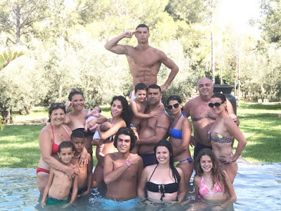 Cristiano Ronaldo Shares Adorable Photo Of His Big Family