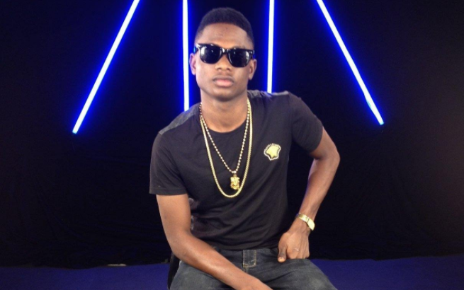 Lil Kesh Throws The Kennis104.1 Fm Crew Into Dancing Mood At Interview (Watch Video)