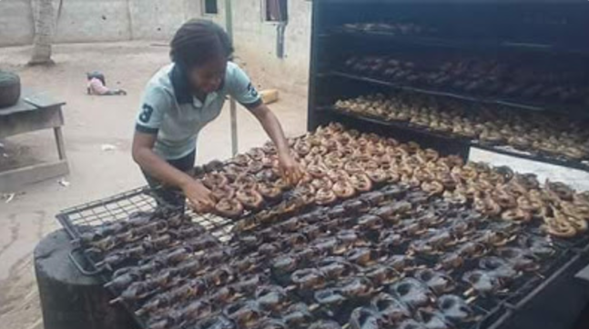 Meet This Beautiful Engineering Graduate Who Sells Dry Fish In Rivers State (Photos)