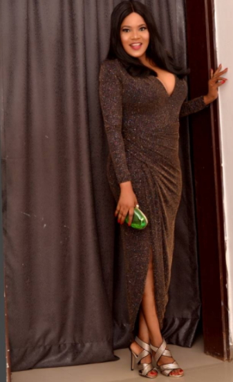 Actress, Toyin Aimakhu Flaunts Her b**bs In S3xy Dress (Photos)