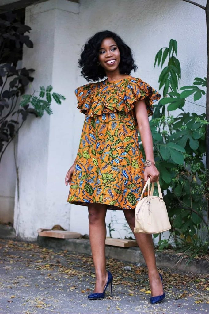 Ladies!! Checkout These 15 Gorgeous Nigerian Short Gowns You Should ...