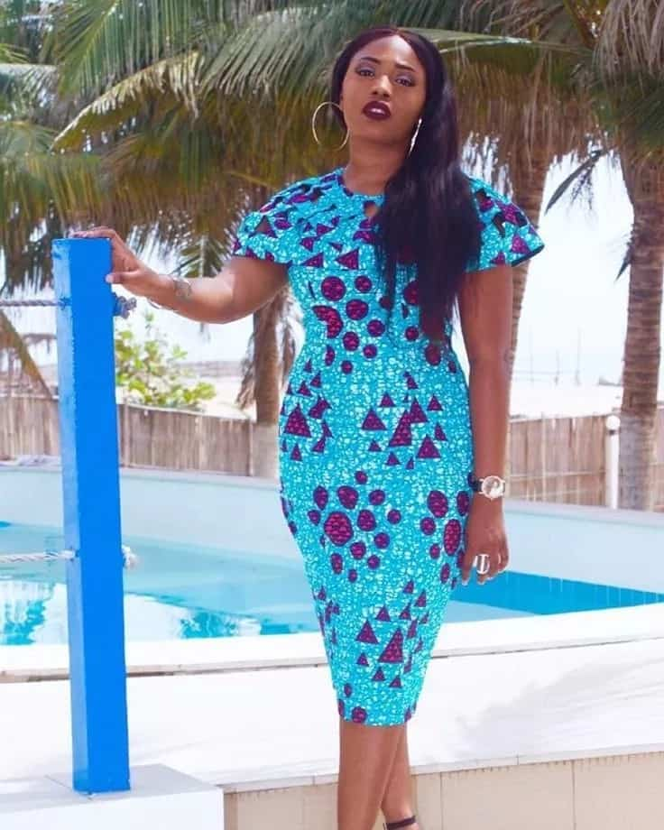 Ankara gowns with short-sleeve