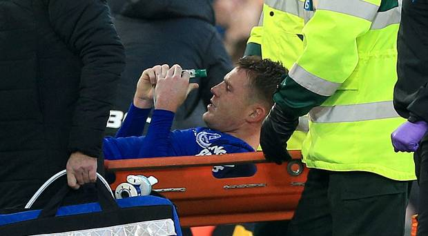 Everton's James McCarthy Suffers Double Leg Fracture Against West Brom (Photos)