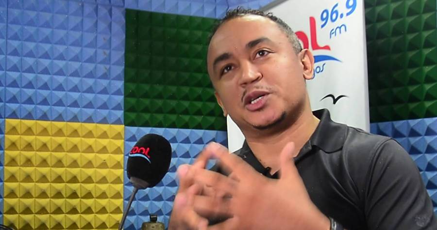 Why It's More Rewarding To Use Your Money To Buy Liquor In Quilox – Daddy Freeze(photos)