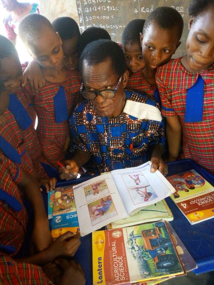 'I Stay True To My Calling Till I Die' ; Nigeria's Longest Serving Teacher (Photos)