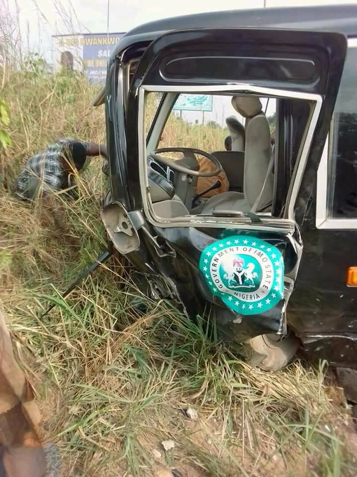 Bus Conveying Members Of Imo state Actors Guild Nigeria Involved In An Accident (Photos)