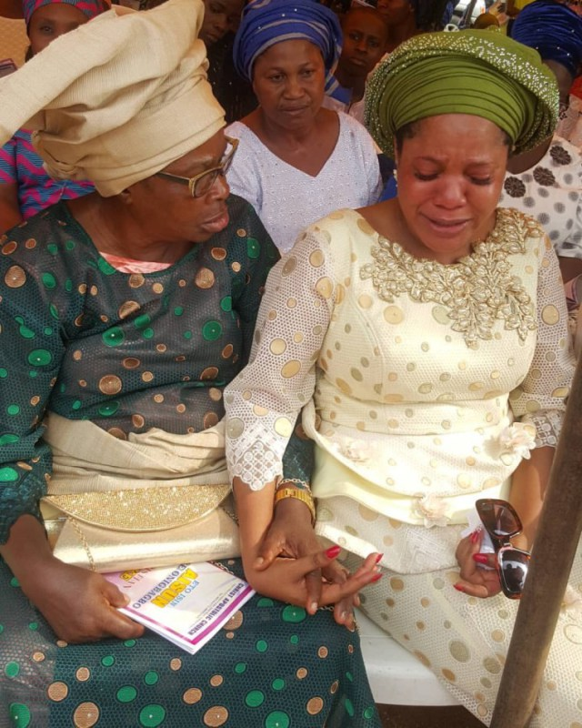 Actress Toyin Abraham Weeps Profusely At Her Father's Service Of Songs In Ibadan (Photos)