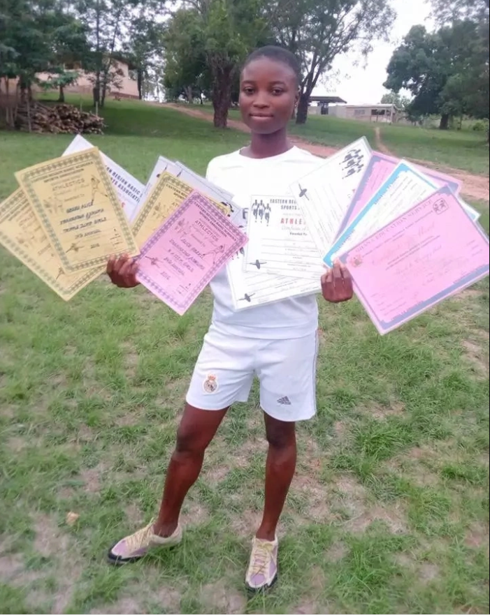 Young Ghanaian Teenager Breaks 15 Records in Sprint, Displays her Winning Certificates (Photos)