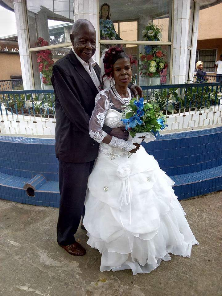 Elderly Man With Walking Stick All Smiles As He Weds His Old Bride In Imo (Photos)