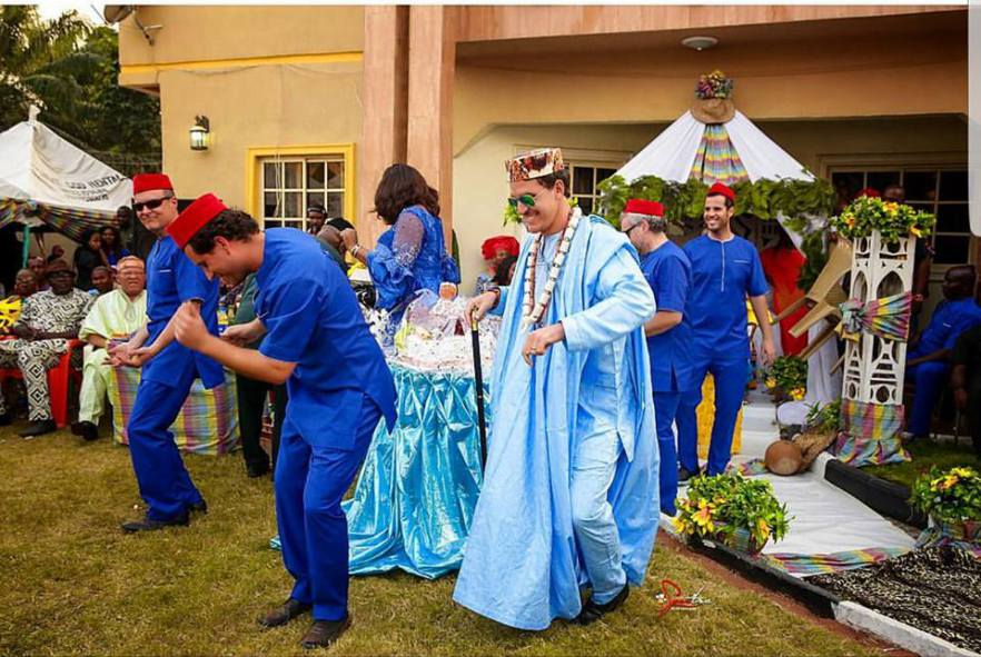 White man rocks traditional outfit as he marries his Igbo bride (Photos)