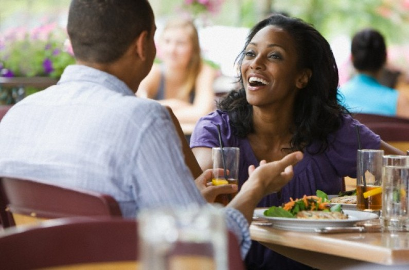 Nigerian Lady Stranded At A Restaurant After She Ordered What She Can't Pay For While On A Date