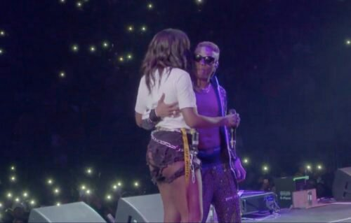 'Stay sexy for Daddy- Wizkid Tells Tiwa Savage While Performing, Fans React (Video)