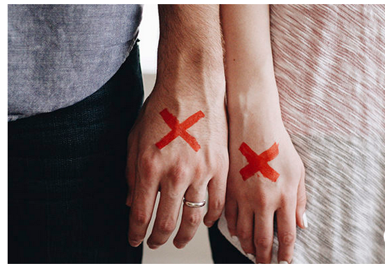 3 Toxic Behaviours That Are Major Relationship Red Flags