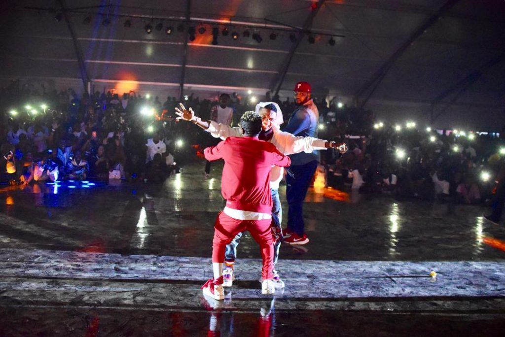 PHOTOS: Wizkid And Shatta Wale Reconcile On Stage In Ghana