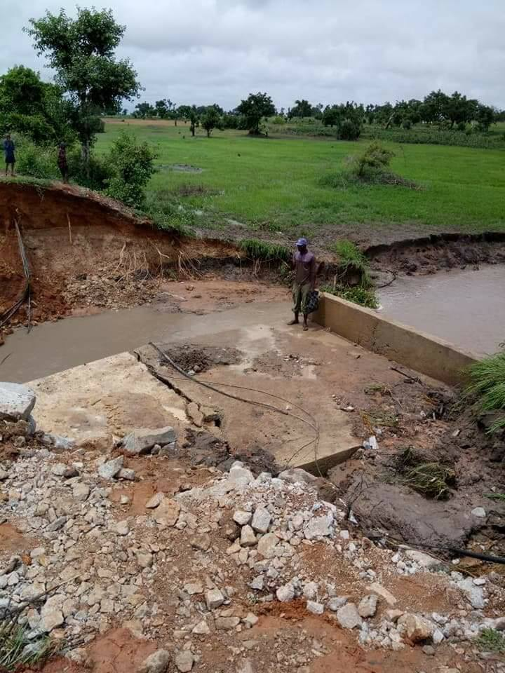 Update; How Bridge Collapsed After A Heavy Rainfall In Taraba State (Photos)