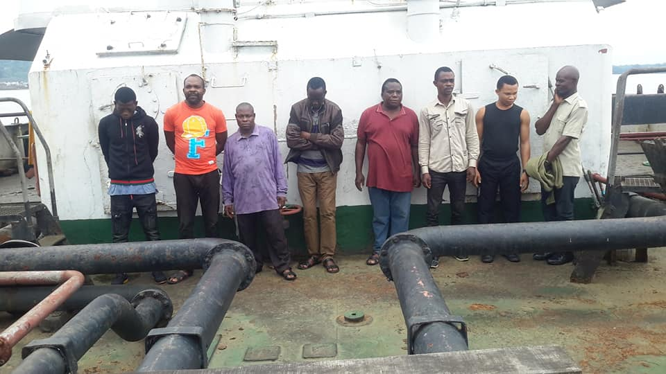 8 Men Arrested By Navy Personnel For Illegal Dealing In Petroleum Products (Photos)