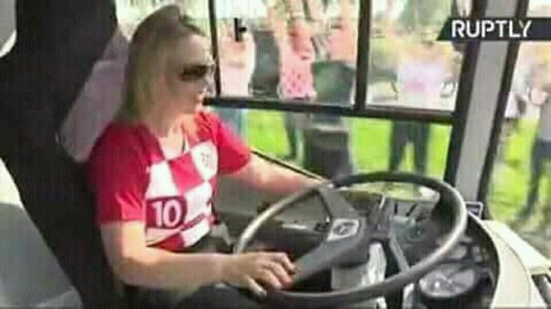 Croatian President Personally Driving The National Football Team (Photos)