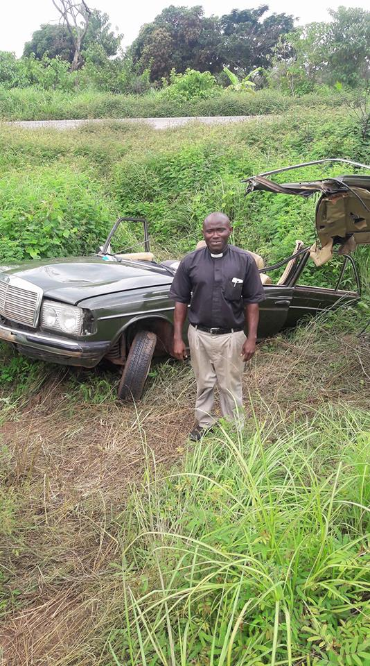 A Priest Came Out From The Ghastly Car Accident Without Any Injury (Photos)