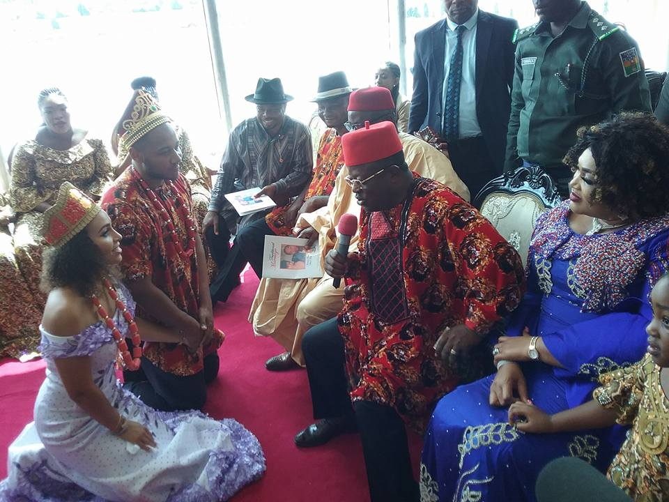 Governor Present As Pretty Nigerian Lady Weds Her Foreign Husband (Photos)