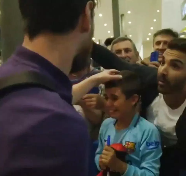 So Emotional! Lionel Messi Makes A Boy Bust Into Tears After Doing This To Him (Photos)