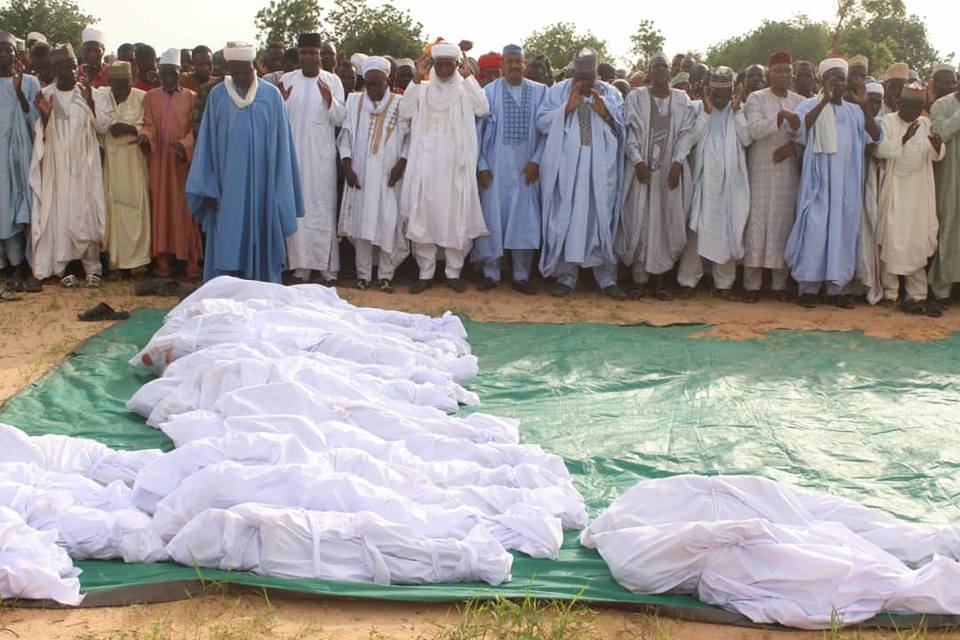 Heartbreaking Photos From Mass Burial Of 21 Victims Who Died During Boat Mishap