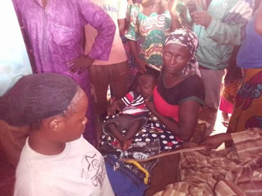 Young Lady Caught Stealing N22k From a Nursing Mother in Abuja (Photos)