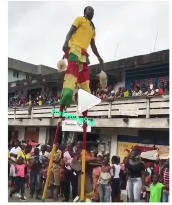 Legends of the Fall!! Ghanaian Stunt Man Falls During A Street Show (Video)