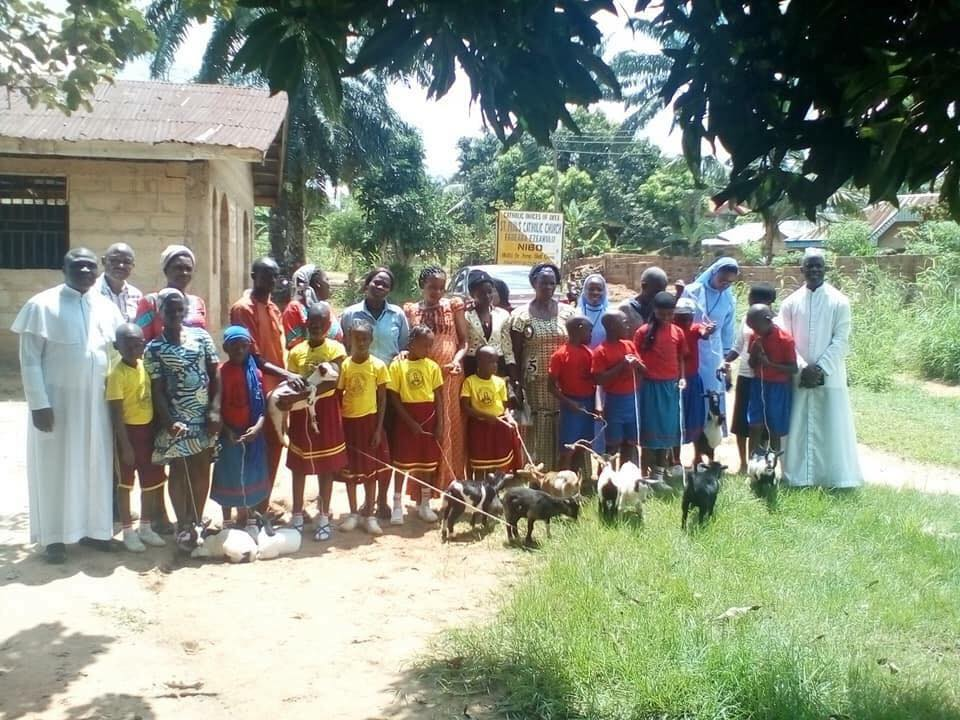 Primary School Gives Goats As Gifts To Outstanding Students… See Shocking Reason + Photos