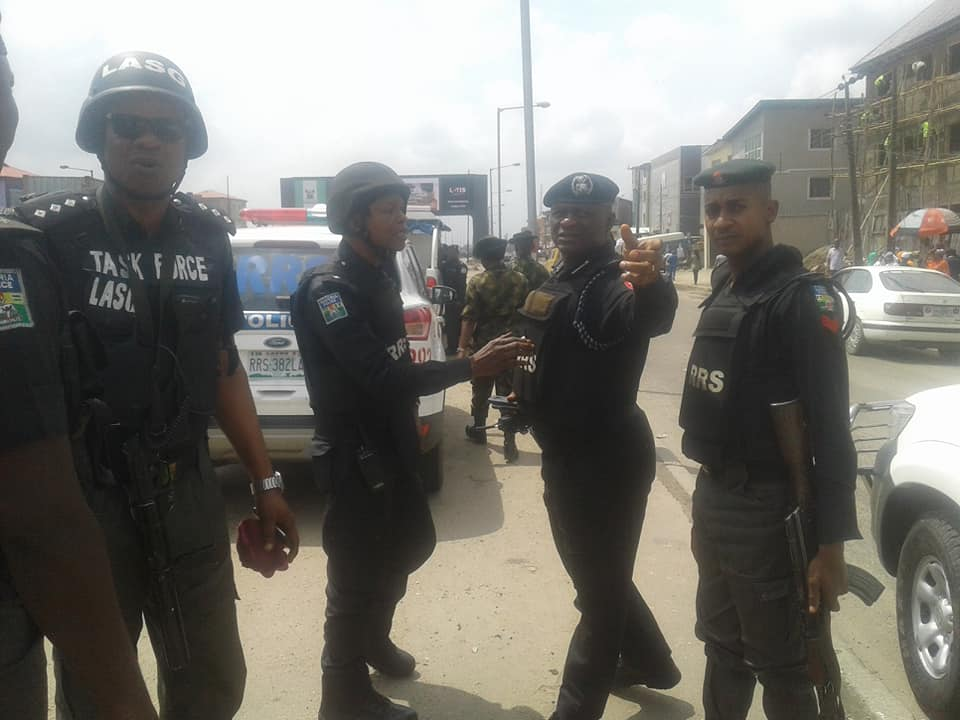 Gunshots As Rival Gangs Clash In Fadeyi Area Of Lagos (Photos/Videos)