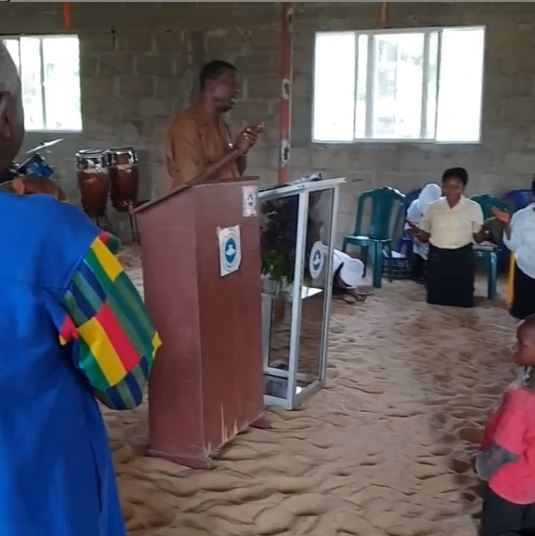 Wow! Pastor Adeboye Storms An Uncompleted Rccg Church Pray For Members.