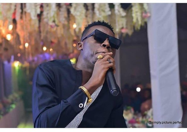 Akpororo Attacks Daddy Freeze During Performance At The Experience13
