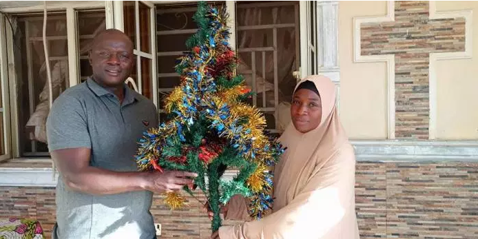 See What A Muslim Woman Did In A Pastor's House Ahead Of Christmas (Photo)
