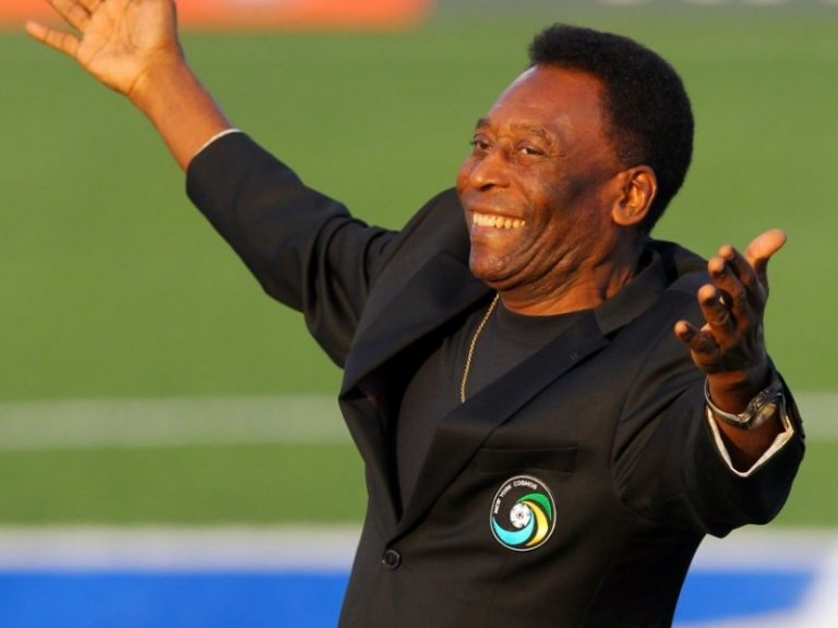 Pele Denies Reports He's Depressed, Embarrassed To Leave Home