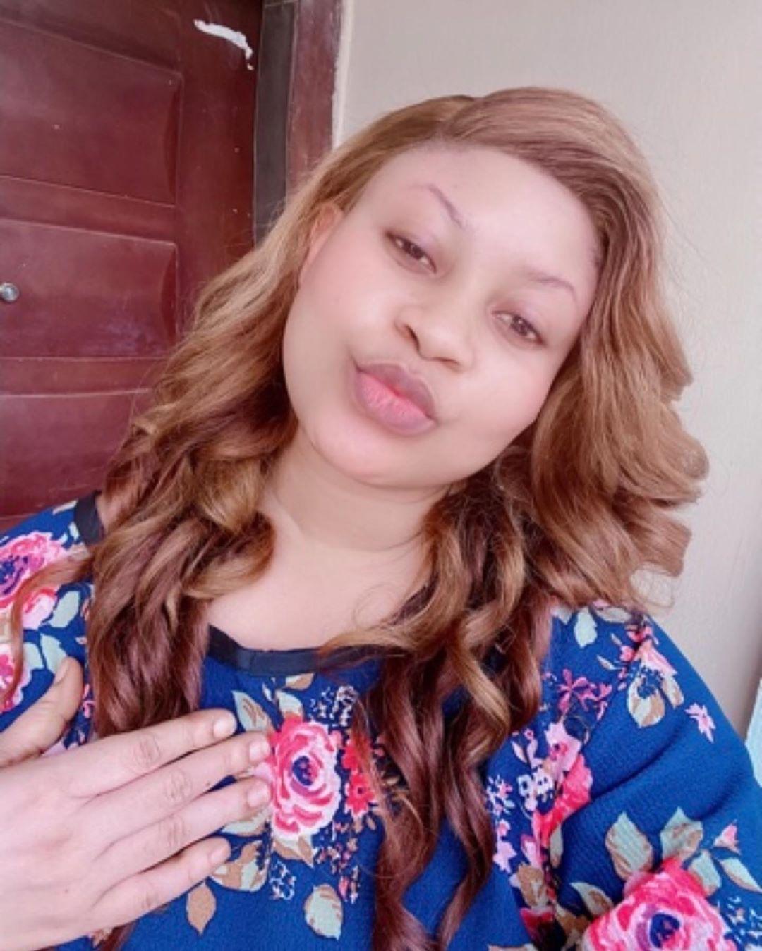 Nollywood actress, Joke Jigan spotted in a video twerking half n*ked