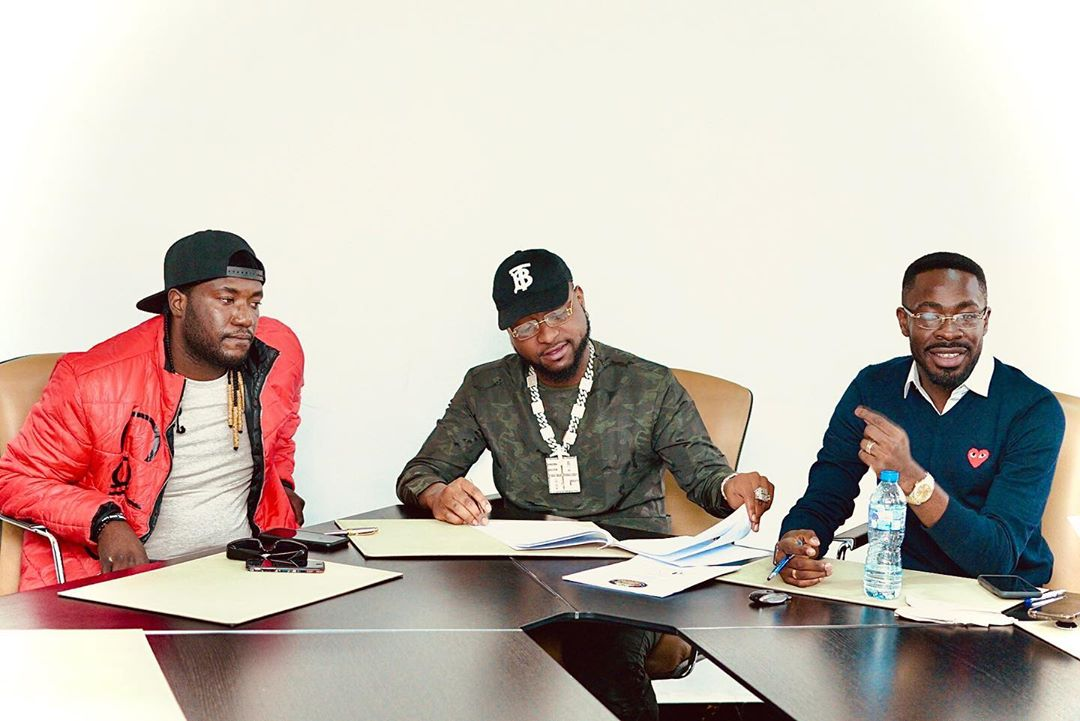 Davido signs Deinde to his DMW record label