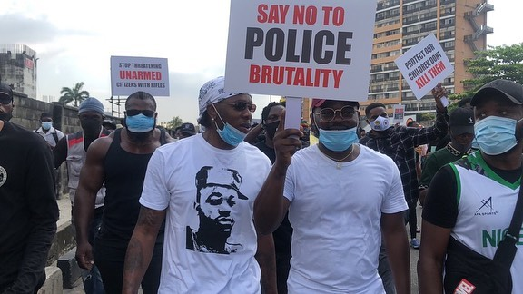 #EndSARS: Tiwa savage joins Runtown & Falz for protest