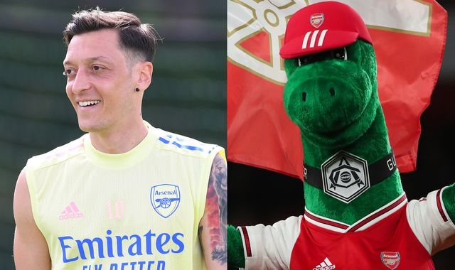 Mesut Ozil volunteers to pay Gunnersaurus wage to keep his job at Arsenal